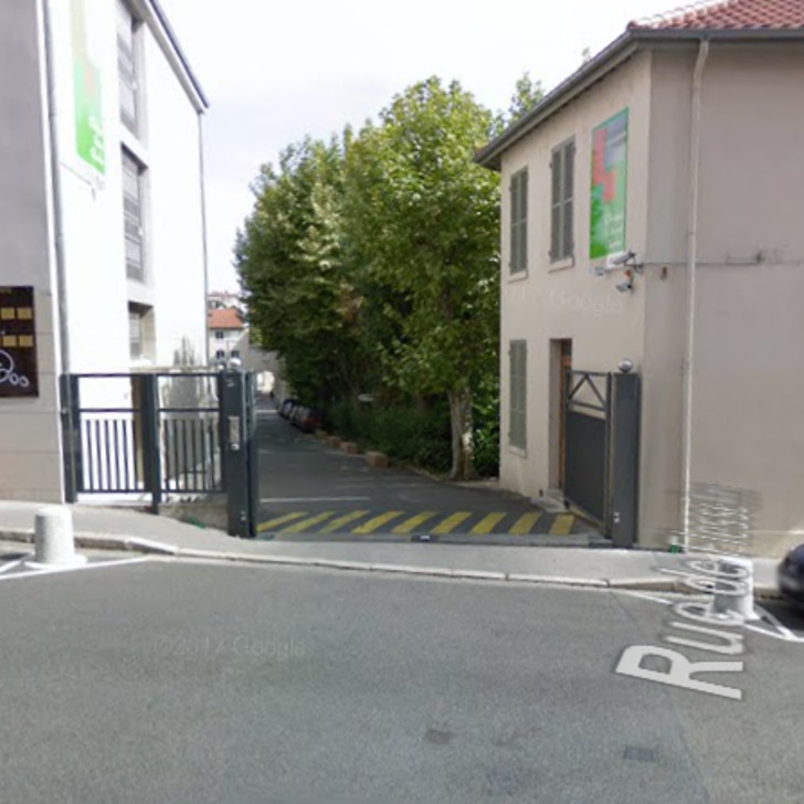 CLINIQUE SAINT-CHARLES Openbare Parking (Exterieur) Lyon