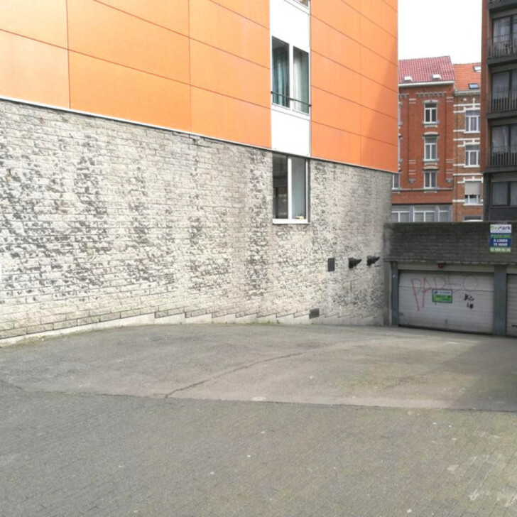 BEPARK PLACE DE HELMET - SQUARE APOLLO Public Car Park (Covered) Schaerbeek