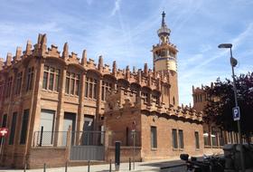 Parques de estacionamento Centro Cultural CaixaForum Barcelona em Barcelona - Reserve ao melhor preço