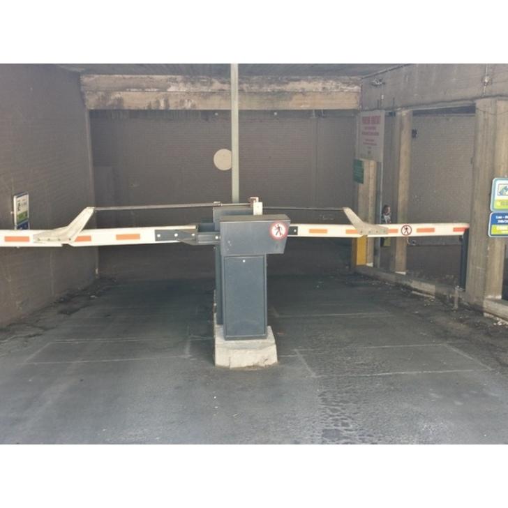 BEPARK FLEUR DE LYS - GARE DE NIVELLES Openbare Parking (Exterieur) Nivelles