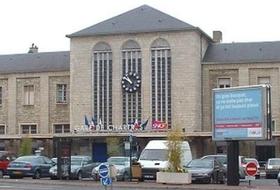 Parkeerplaatsen Station van Chartres in Chartres - Boek tegen de beste prijs
