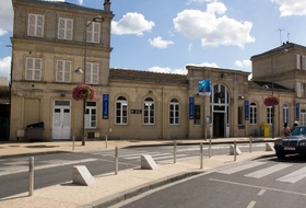 Station of Villiers-le-Bel - Gonesse - Arnouville car parks in Arnouville - Book at the best price