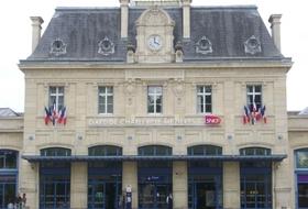 Parques de estacionamento Estação Charleville-Mézières em Charleville-Mézières - Reserve ao melhor preço