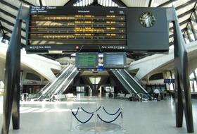 Parques de estacionamento Estação de TGV Lyon-Saint-Exupéry em Colombier-Saugnieu - Reserve ao melhor preço