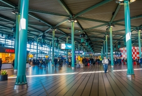 Station Schiphol Airport car parks in Amsterdam - Book at the best price