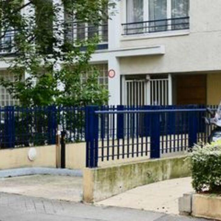 RUE CHAROLAIS Parking Privaat Gebouw (Overdekt) Paris