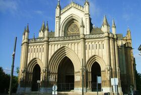Catedral de Vitoria car parks in Vitoria - Book at the best price