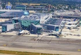 Parkings Aéroport Léonard-de-Vinci de Rome Fiumicino - Réservez au meilleur prix
