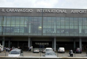Parques de estacionamento Aéroport international de Bergamo-Orio al Serio - Reserve ao melhor preço