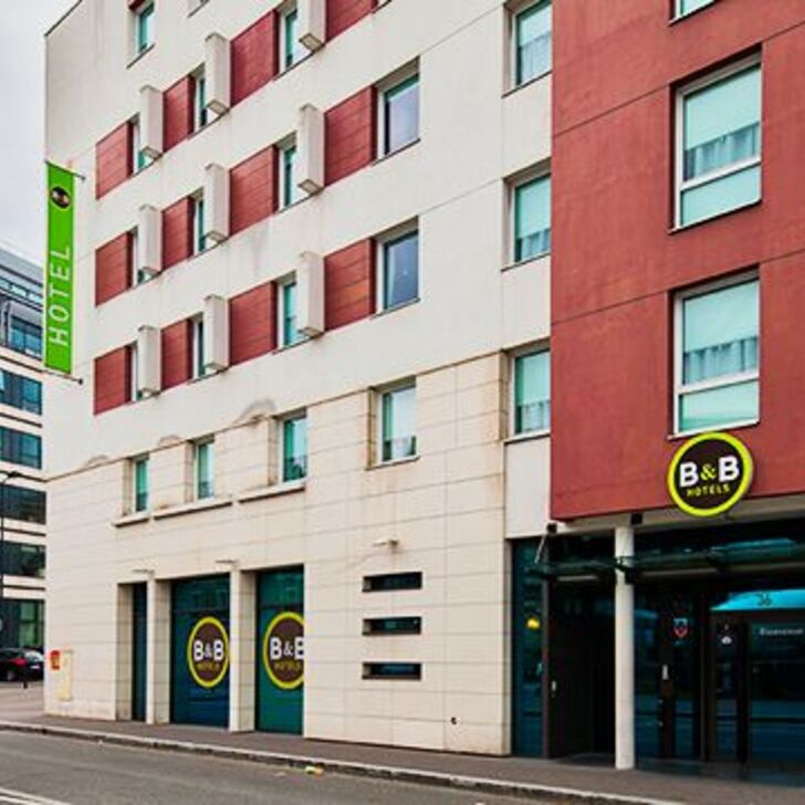 Parking Hotel B&B PARIS SAINT-DENIS PLEYEL (Exterior) Saint-Denis