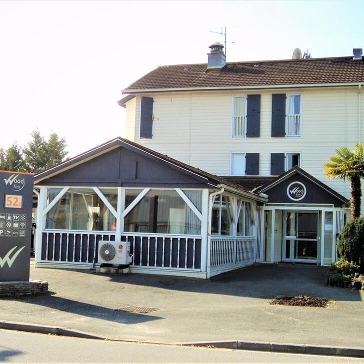WOOD INN MÉRIGNAC Hotel Car Park (External) Mérignac