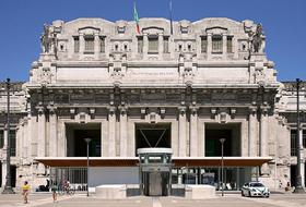 Parkings Gare de Milan-Centrale à Milan - Réservez au meilleur prix