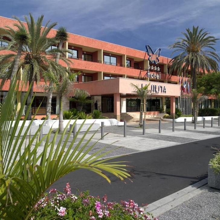 Parking Hotel LA SIESTA (Exterior) Arona