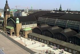 Hamburg Hauptbahnhof car parks in Hamburg - Book at the best price