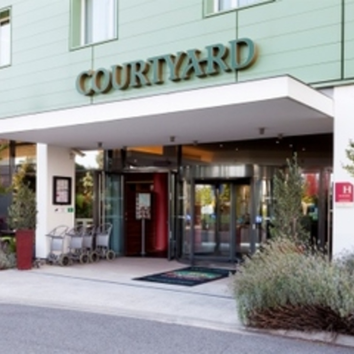 Parking Hotel COURTYARD TOULOUSE AIRPORT (Exterior) Toulouse
