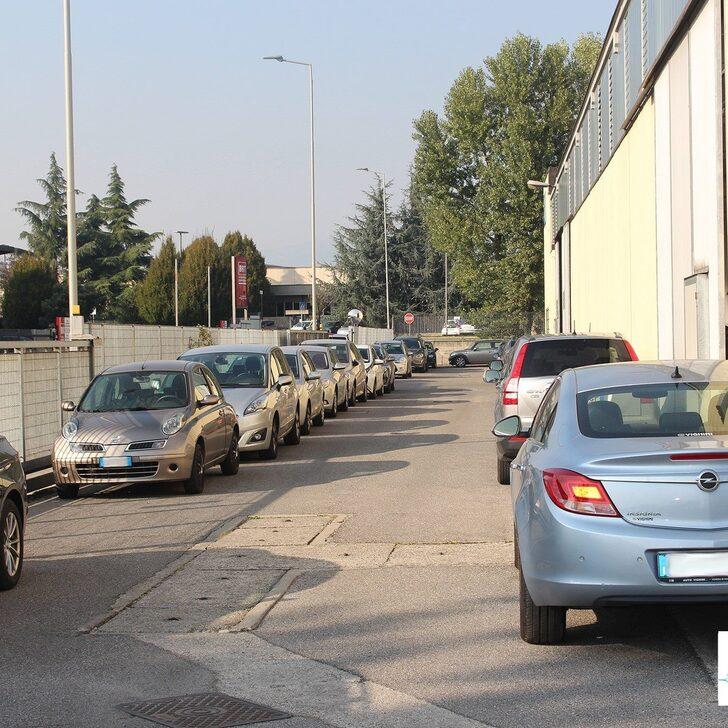 Parking Low Cost AZZURRO PARK (Exterior) Grassobbio