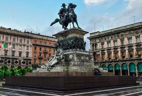 Parkeerplaatsen in het centrum van Milan - Boek tegen de beste prijs