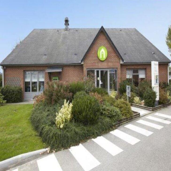 Parking Hotel CAMPANILE ROUEN EST - FRANQUEVILLE SAINT PIERRE (Exterior) Franqueville-Saint-Pierre
