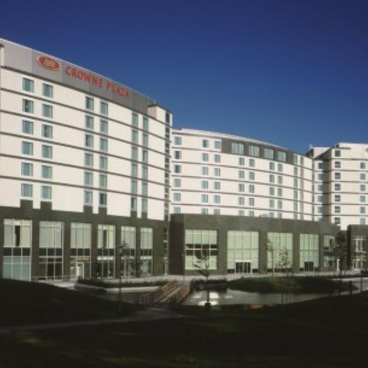 CROWNE PLAZA BRUXELLES AÉROPORT Hotel Parking (Exterieur) Diegem