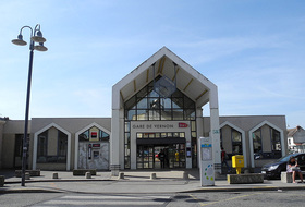 Vernon Station car parks in Vernon - Book at the best price
