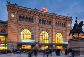 Parkeerplaatsen Het centraal station van Hannover in Hannover - Boek tegen de beste prijs