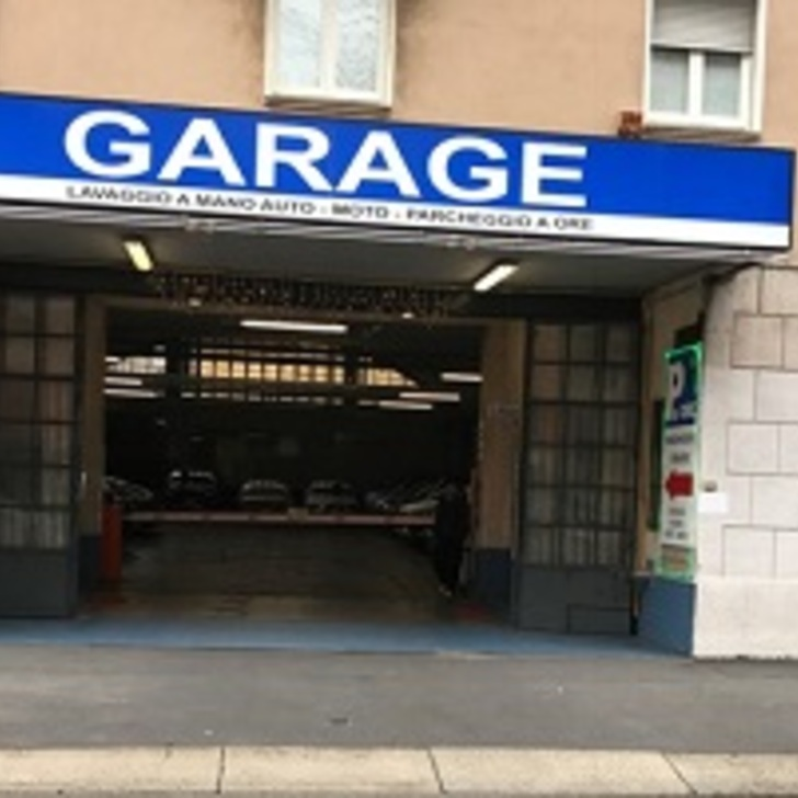 PARKING PAGANO NATIONAL Openbare Parking (Overdekt) Milano