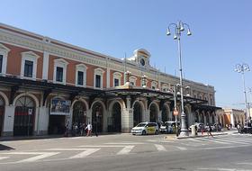 Parques de estacionamento Estação Central de Bari em Bari - Reserve ao melhor preço