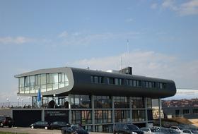Parking Aéroport de Lausanne-Blécherette à Lausanne : tarifs et abonnements - Parking d'aéroport | Onepark