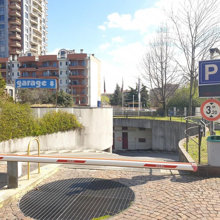 Estacionamento Hotel IBIS MILANO NORD CA GRANDA (Coberto) Milano