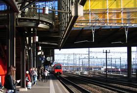Parques de estacionamento Gare de Zurique Hardbrücke em Zurich - Reserve ao melhor preço