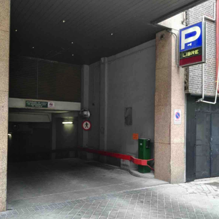 GALGOS SERRANO Public Car Park (Covered) Madrid