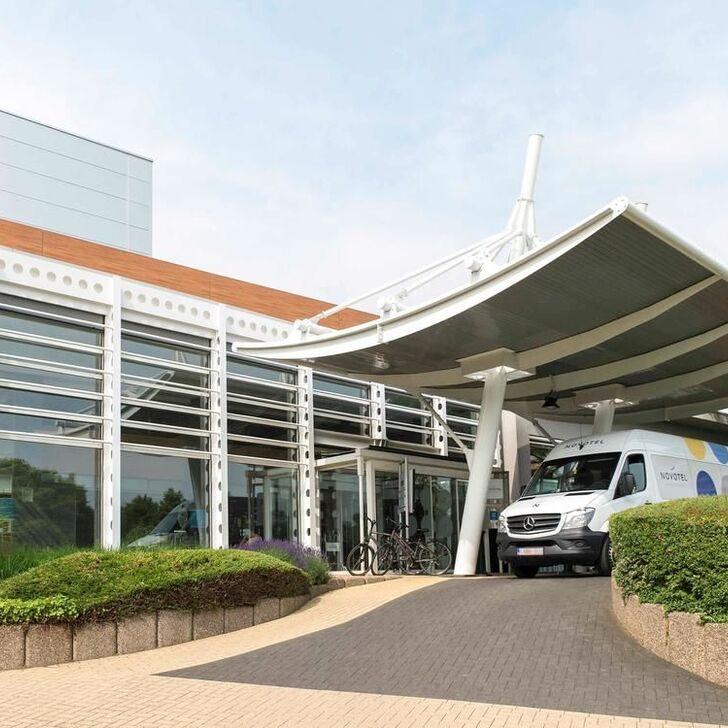 NOVOTEL BRUSSELS AIRPORT Hotel Parking (Exterieur) Zaventem
