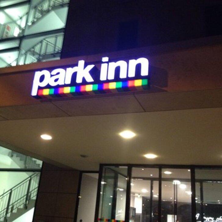 Parking Hôtel PARK INN BY RADISSON FRANKFURT AIRPORT (Couvert) Frankfurt am Main
