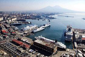 Parkings Porta di Massa à Napoli - Réservez au meilleur prix