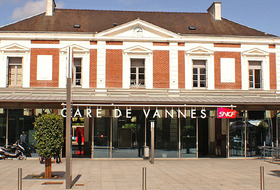 Station of Vannes car parks in Vannes - Book at the best price