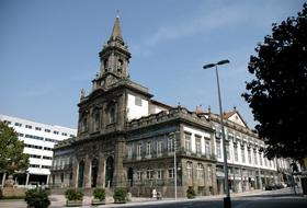 Parkeerplaatsen Trindade in Porto - Boek tegen de beste prijs