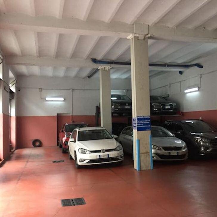 Parking Público CRISTAL PARKING GARAGE (Cubierto) Milano