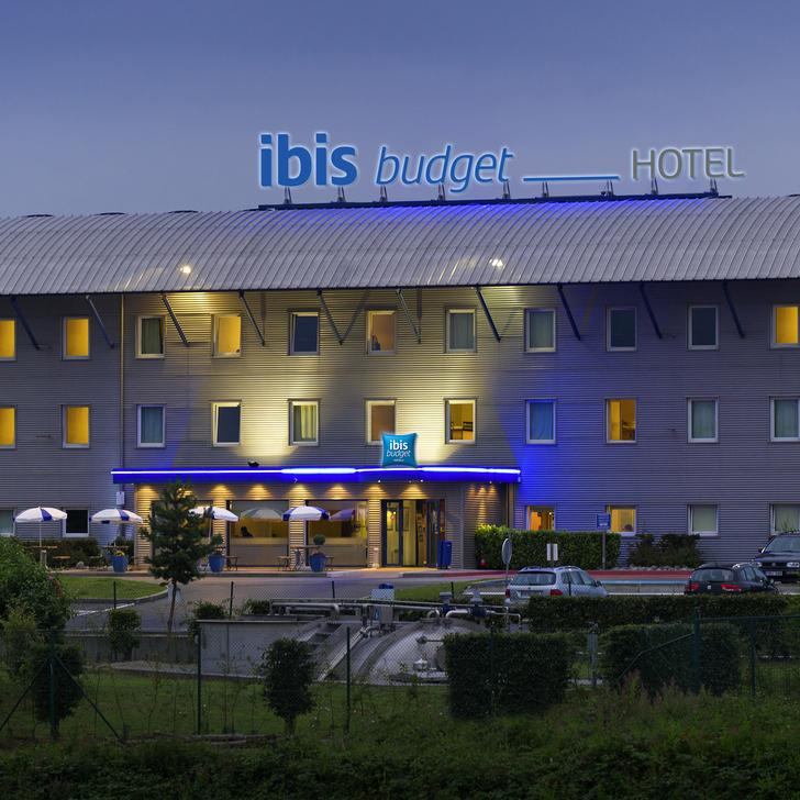 IBIS BUDGET CHARLEROI AIRPORT - TRANSFERT À PIED Hotel Parking (Exterieur) Fleurus, Belgique
