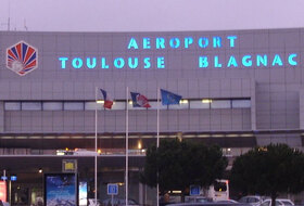 Toulouse–Blagnac Airport car parks - Book at the best price