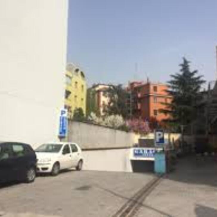 Parking Público GARAGE LOTTO (Cubierto) Milano