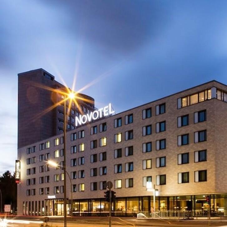 Hotel Parkplatz NOVOTEL HAMBURG CITY ALSTER (Überdacht) Hamburg