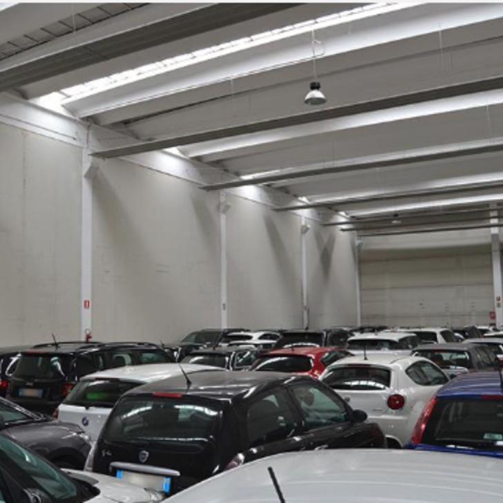 Estacionamento Low Cost LOW COST NEW PARKING (Coberto) Azzano San Paolo (BG)