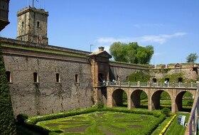 Parkings Castillo de Montjuic en Barcelona - Reserva al mejor precio