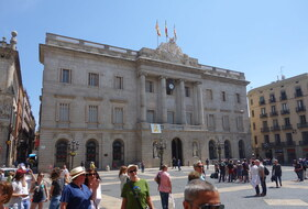 Plaza Sant Jaume car parks in Barcelona - Book at the best price