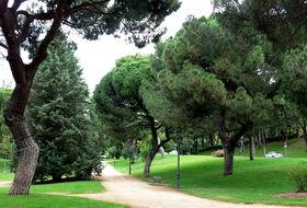 Parkplätze Parque del Oeste in Madrid - Buchen Sie zum besten Preis