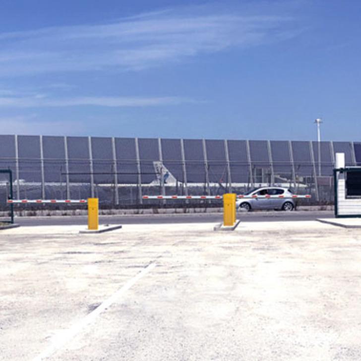 Estacionamento Low Cost FLYPARK PORTO AIRPORT (Exterior) Perafita