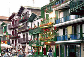 Hondarribia car park: prices and subscriptions - Touristic place car park | Onepark