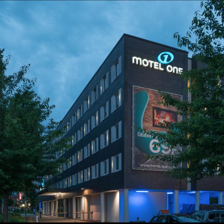 Parking Hotel MOTEL ONE HAMBURG-AIRPORT (Exterior) Hamburg