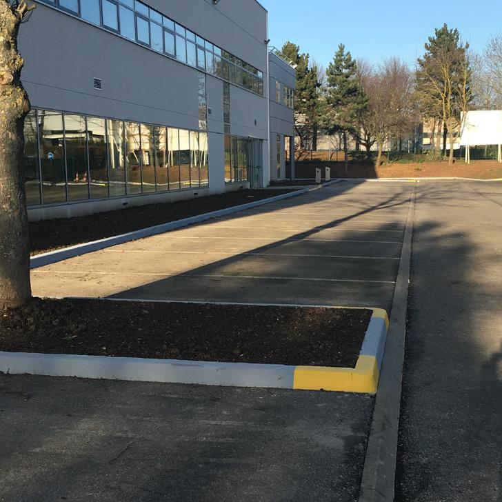 LEELAH Discount Car Park (External) Tremblay-en-france