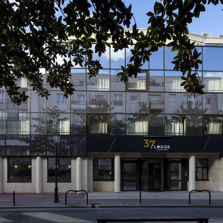37 LODGE Hotel Parking (Overdekt) Courbevoie